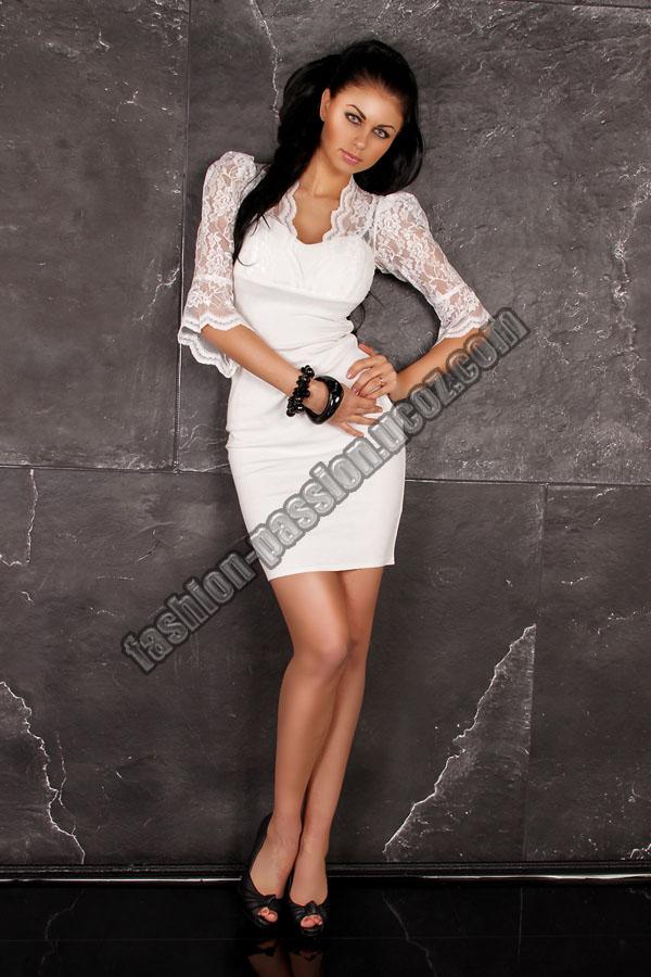 Платье с гипюром фото
